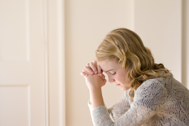 young-woman-praying-940299-gallery
