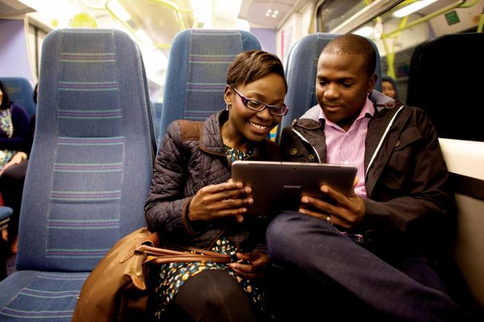 couple-using-computer-1170189-print.jpg